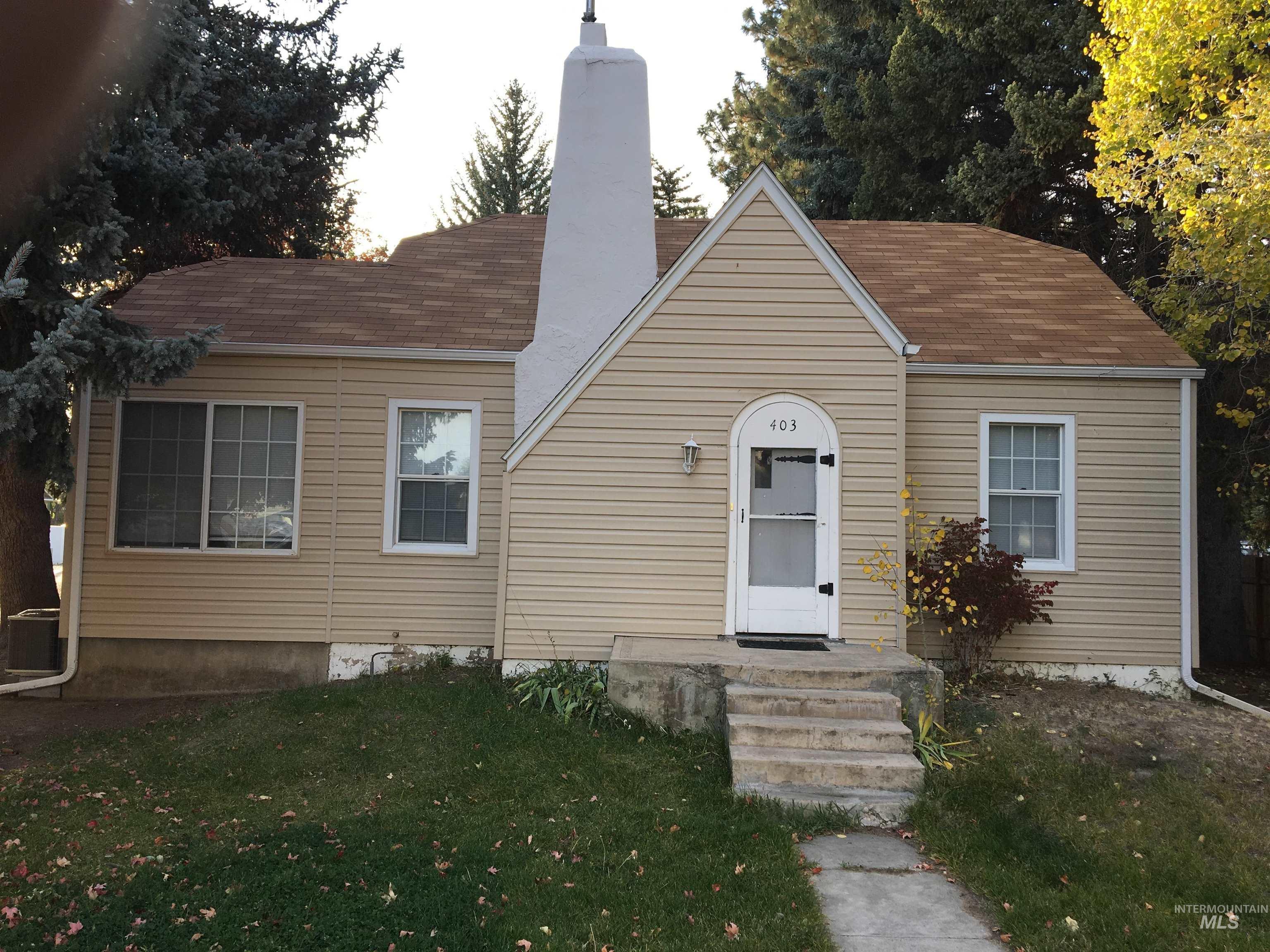 403 N Birch St Property Photo