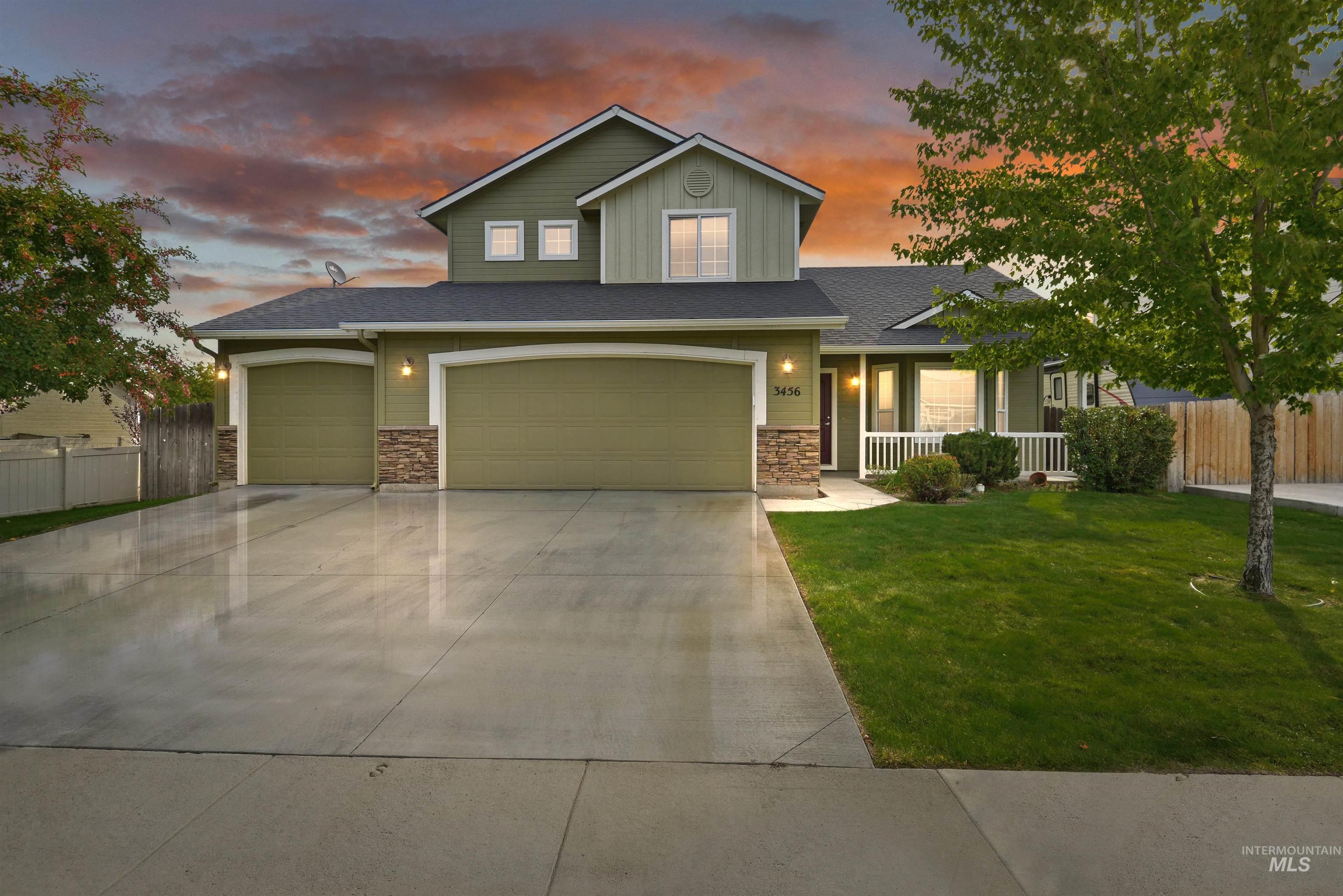 3456 N Maplestone Ave Property Photo