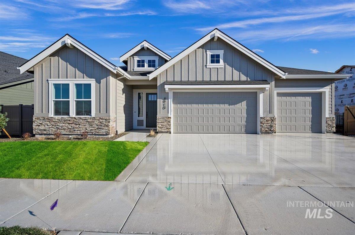 5081 N Joy Ave Property Photo