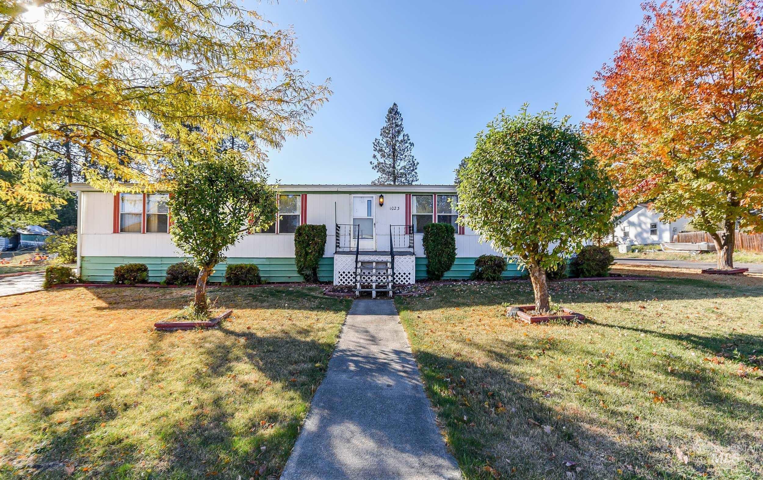 Eastman Acres Real Estate Listings Main Image