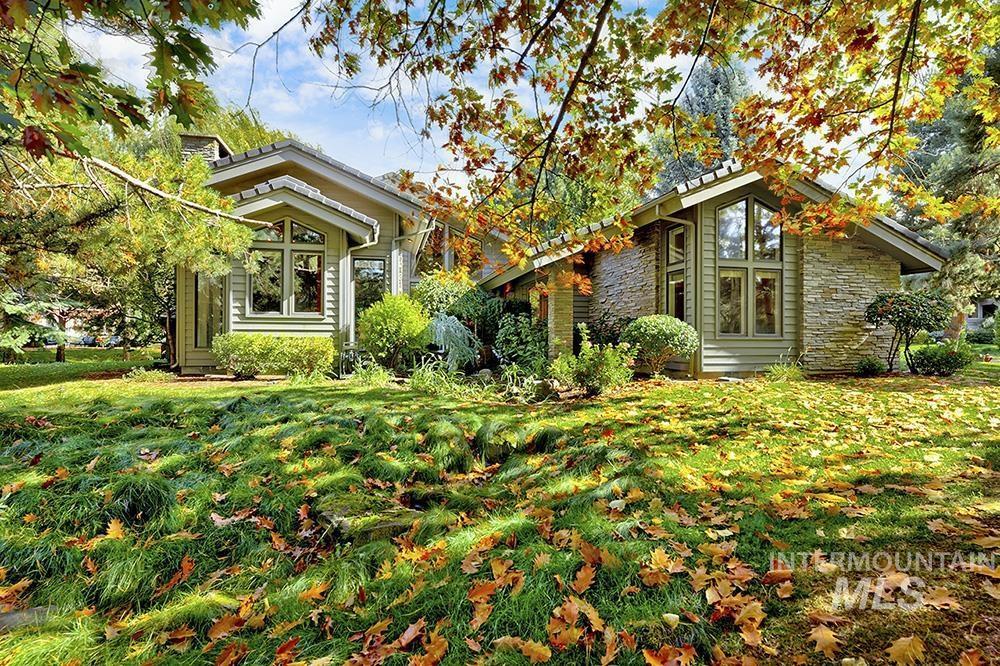 2011 S Silvercreek Ln Property Photo