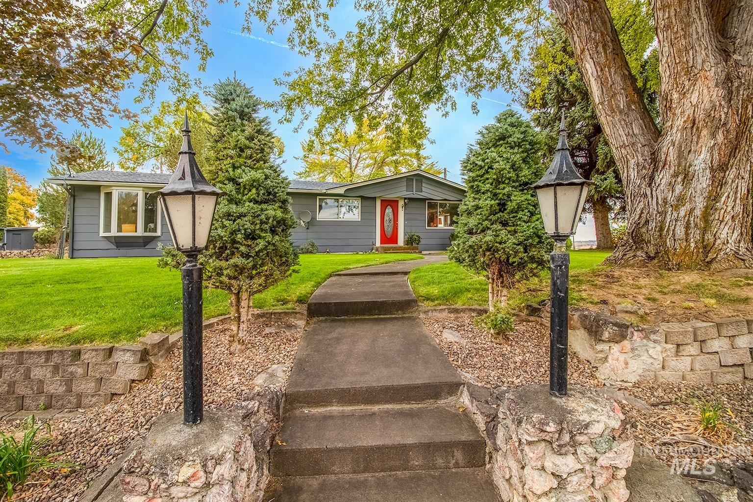 1549 Cove Road Property Photo