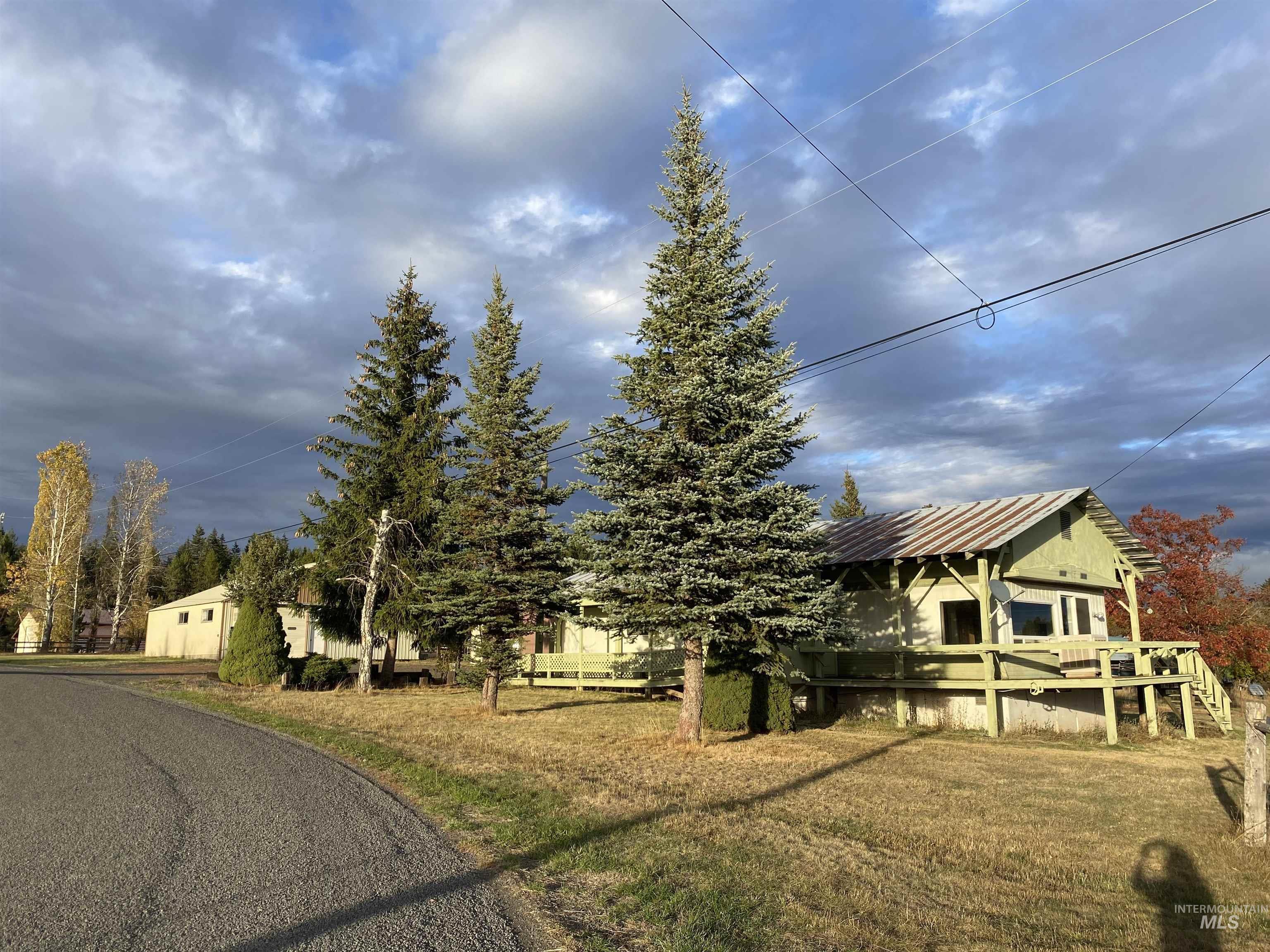 244 Rouleau Loop Property Photo