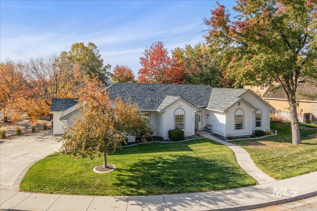 4855 N Knollwood Property Photo