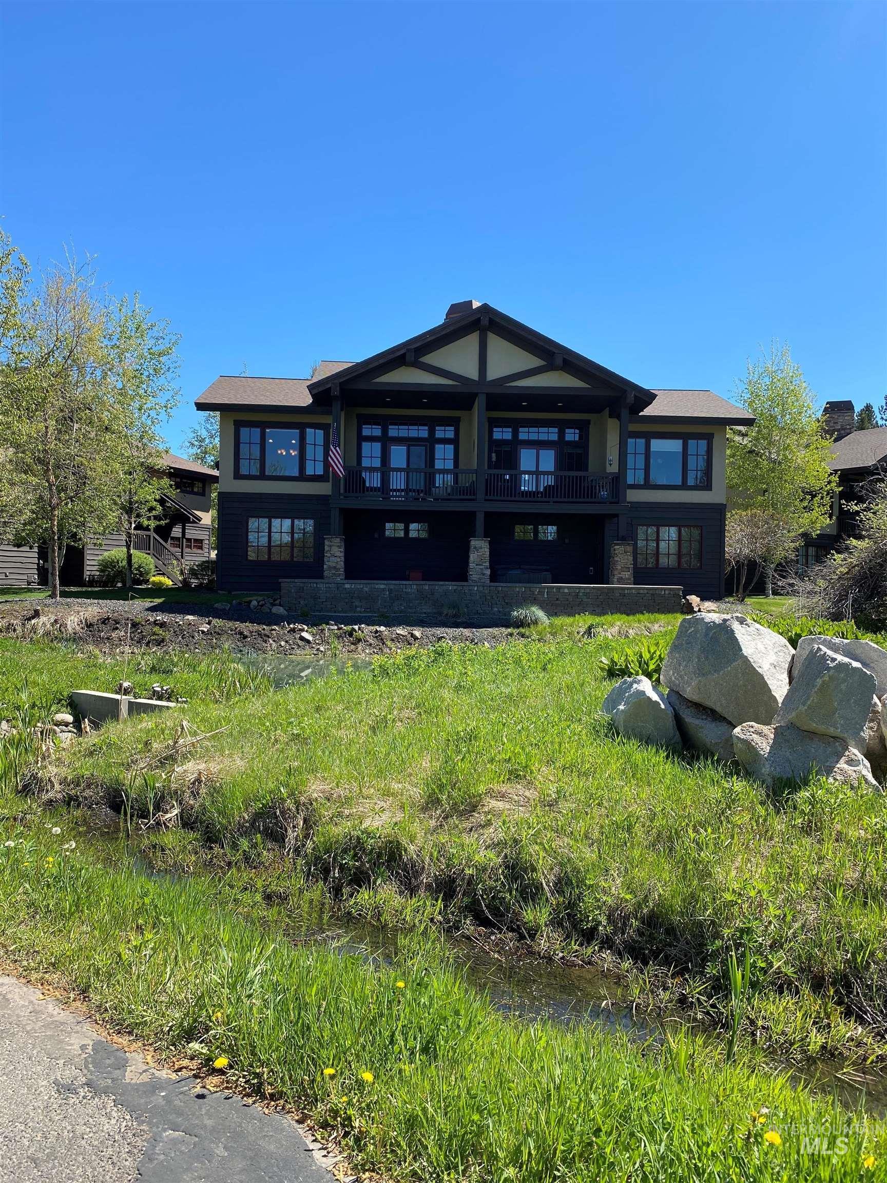1395 Greystone Dr Property Photo