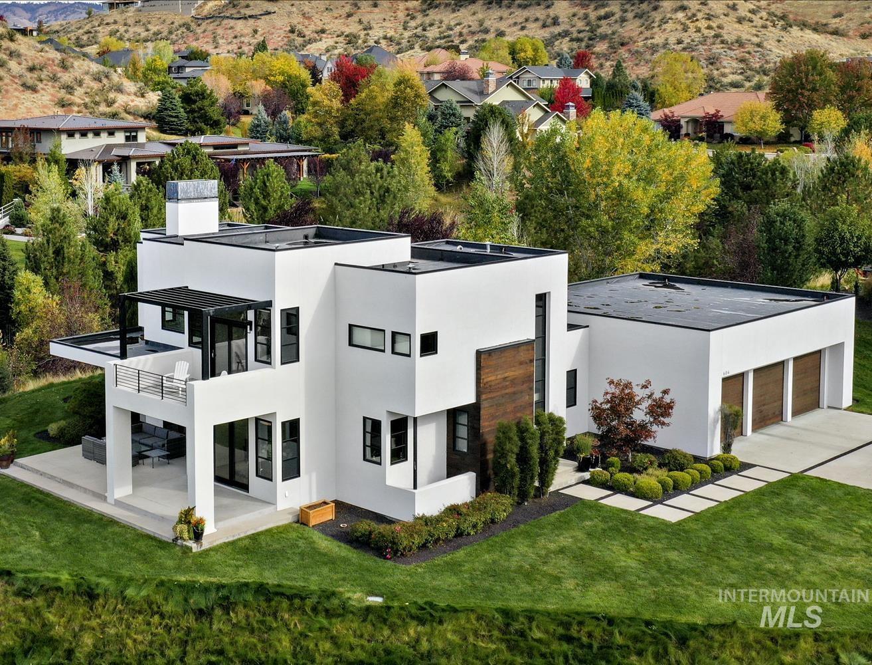604 E Clubview Drive Property Photo
