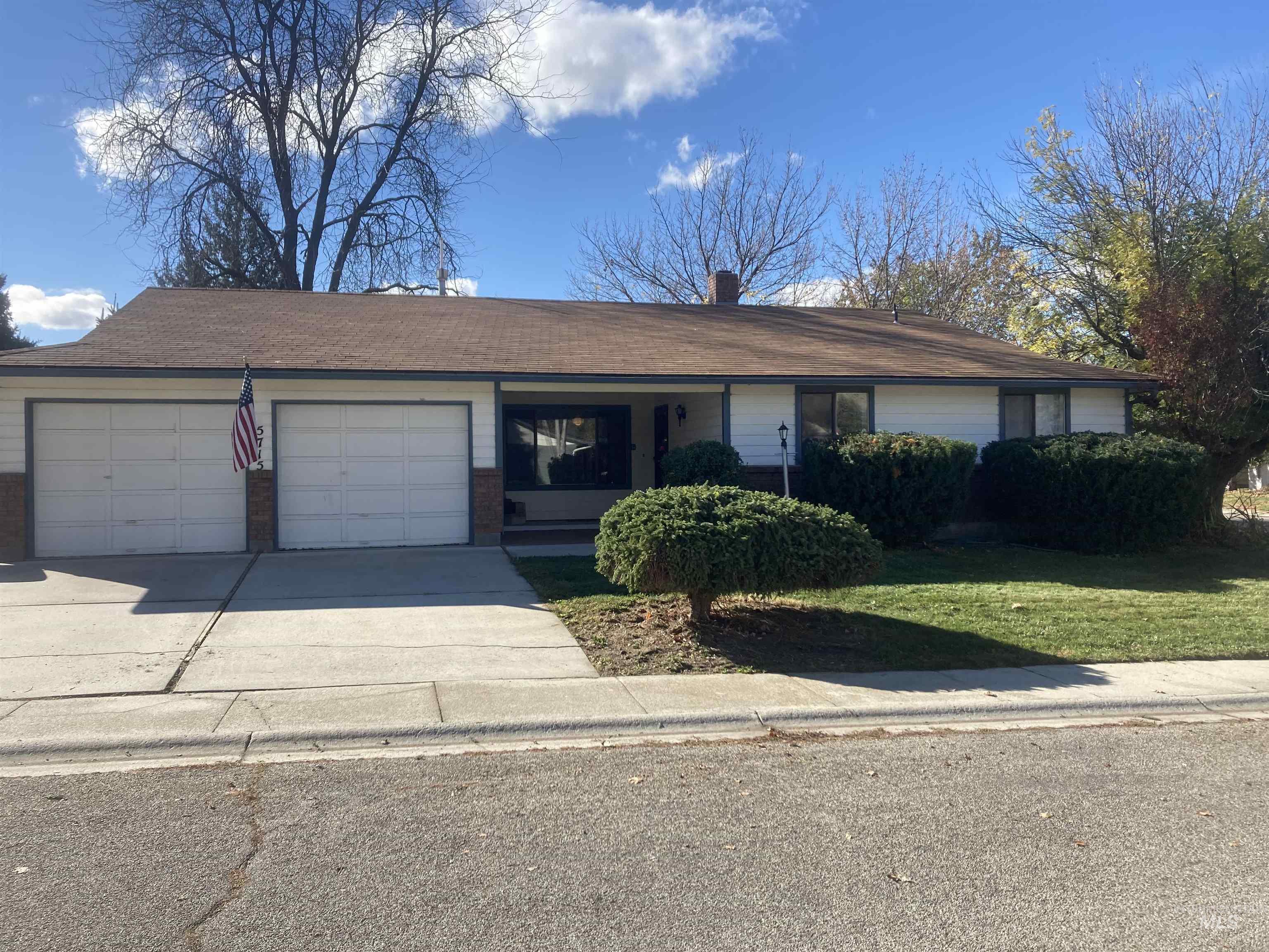 5715 W Winfield Property Photo