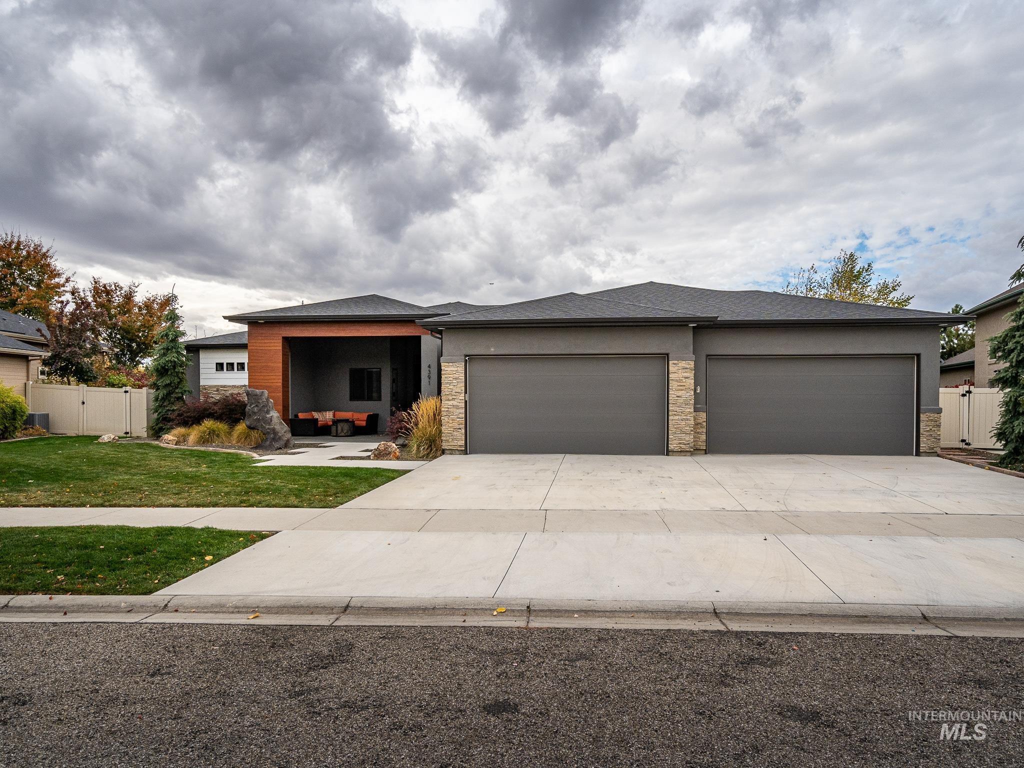 4391 Camas Creek Property Photo