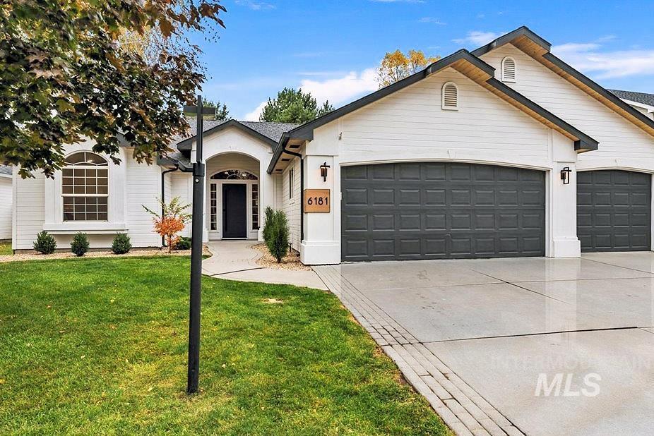 6181 N Sparkford Way Property Photo