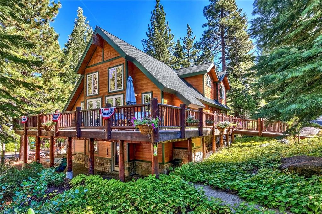 8747 Victoria Circle Property Photo - City of South Lake Tahoe, CA real estate listing