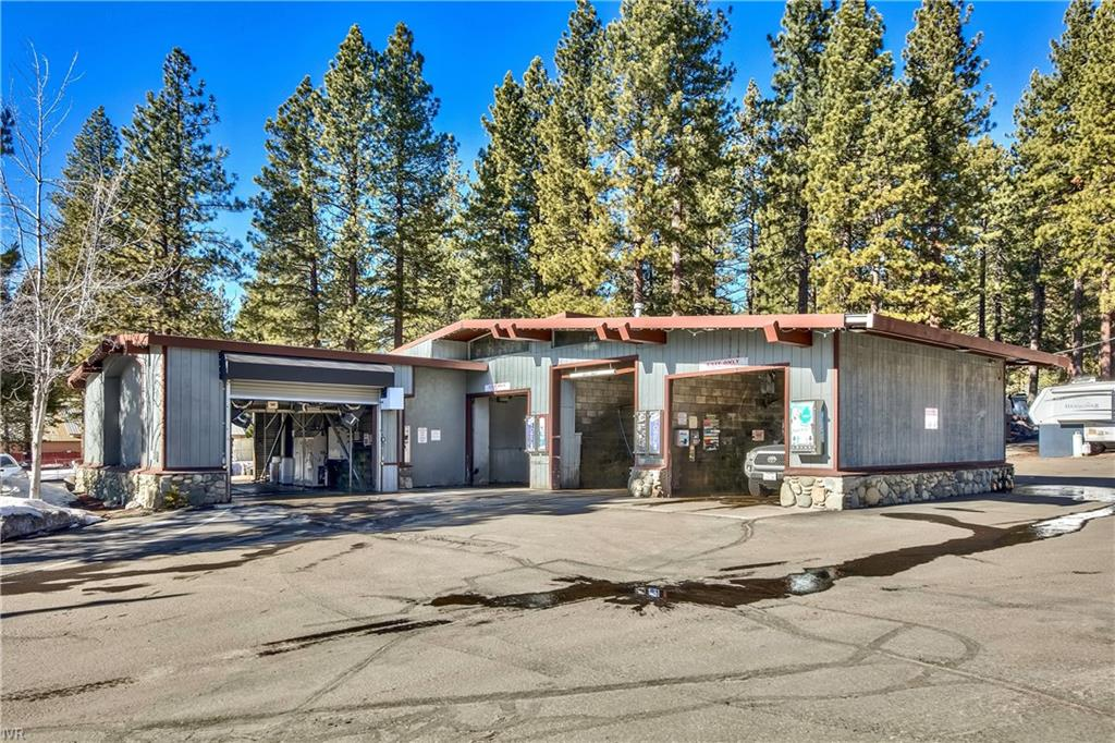8775 North Lake Boulevard Property Photo