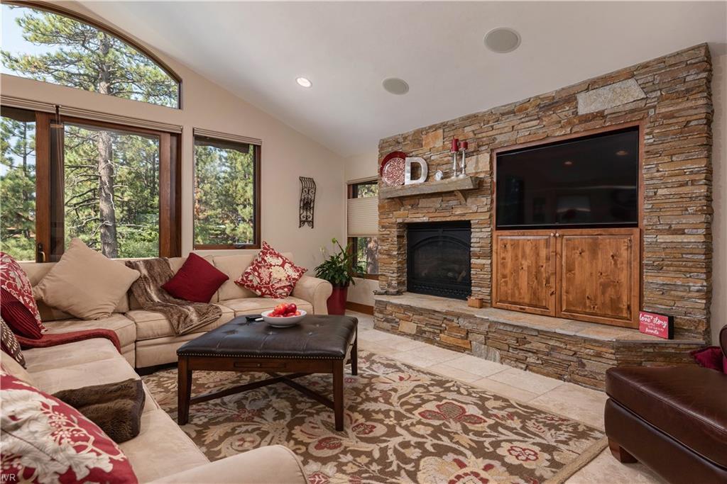759 Pinion Pine Way Property Photo