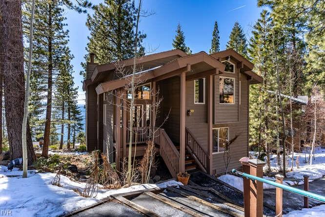 101 Red Cedar #20 Property Photo