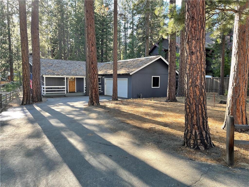 1565 Pinecone Circle Property Photo