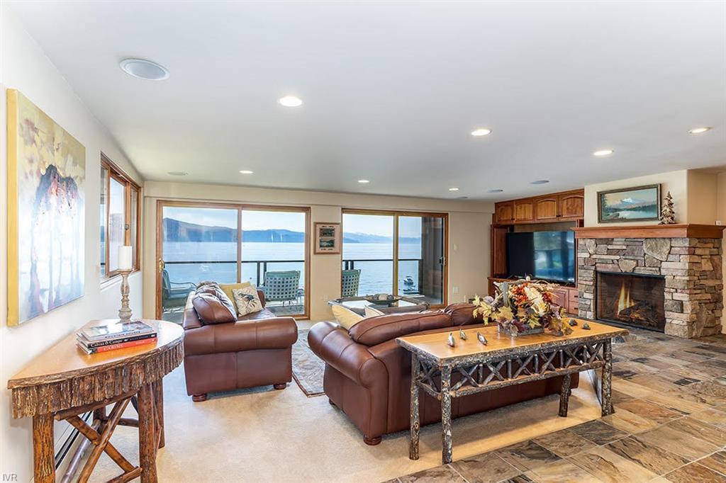 475 Lakeshore Boulevard #12 Property Photo 1