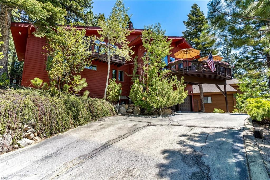 576 Valley Drive Property Photo 1