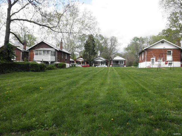 6520 Julian Avenue Property Photo - University City, MO real estate listing