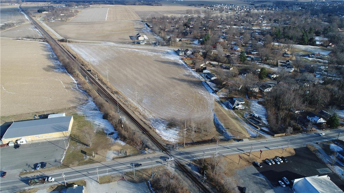 1 State Hwy 160 Property Photo - Highland, IL real estate listing