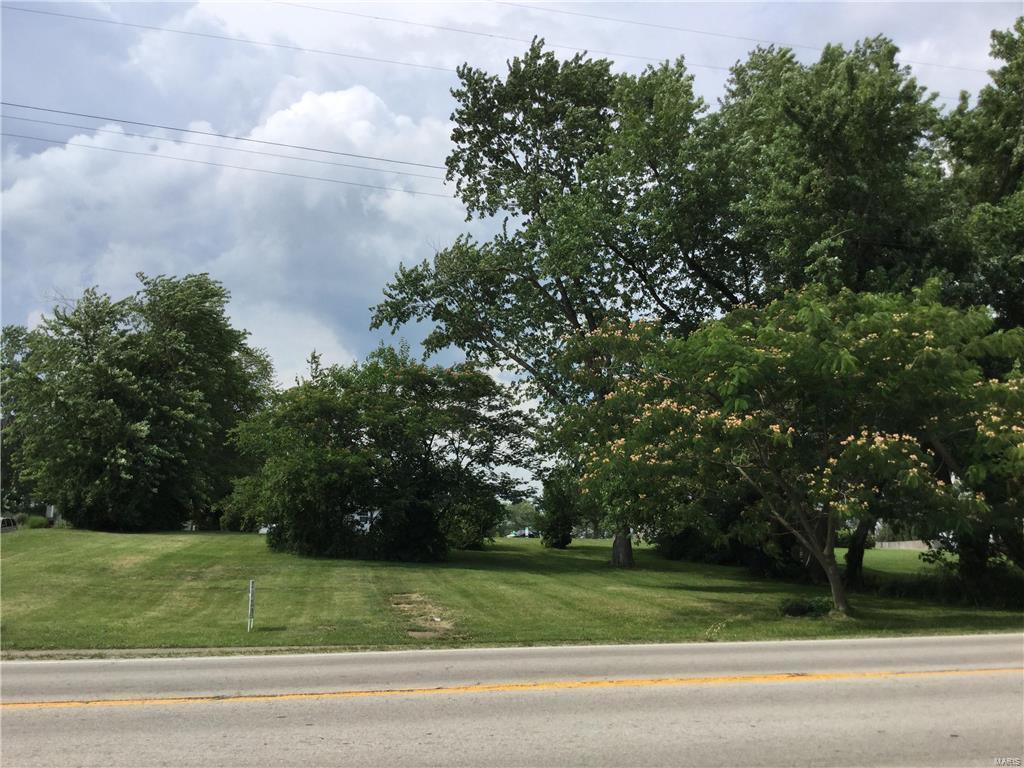 121 W Main Street Property Photo - Alhambra, IL real estate listing