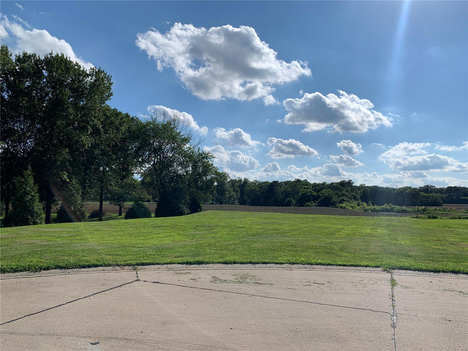 365 Golden Eye Court Property Photo - Staunton, IL real estate listing