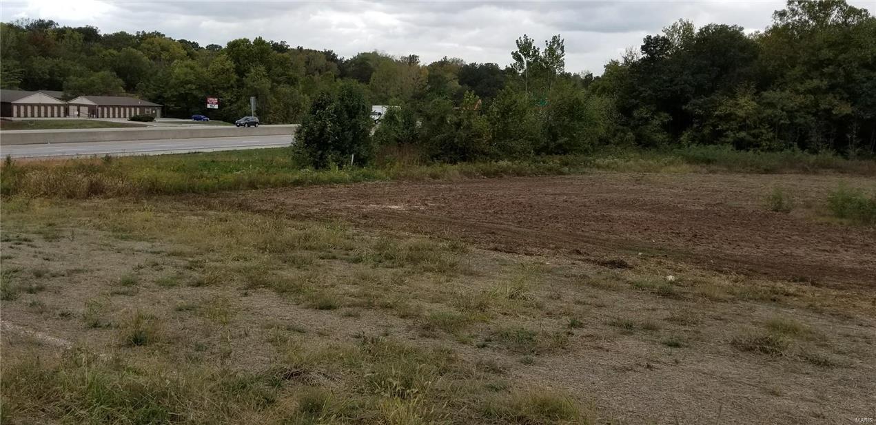 2426 E Pitman Avenue Property Photo - Wentzville, MO real estate listing