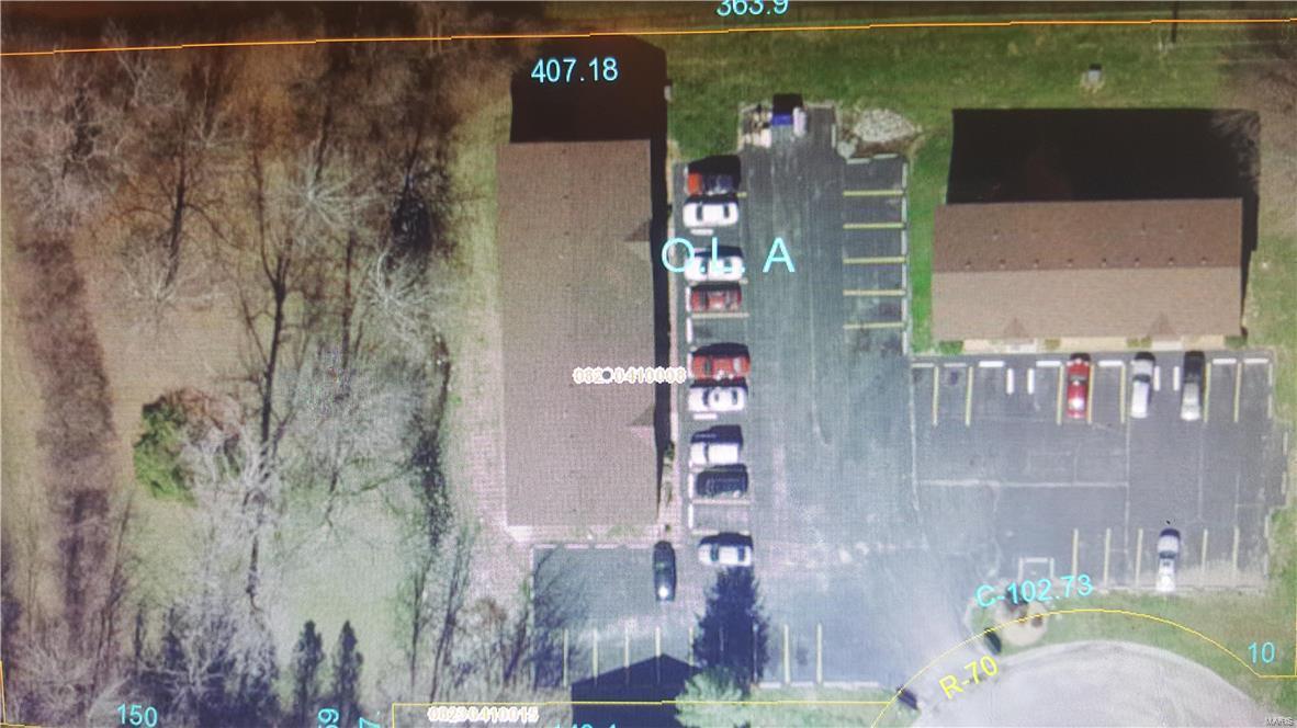 537 Vicksburg Drive Property Photo - Belleville, IL real estate listing