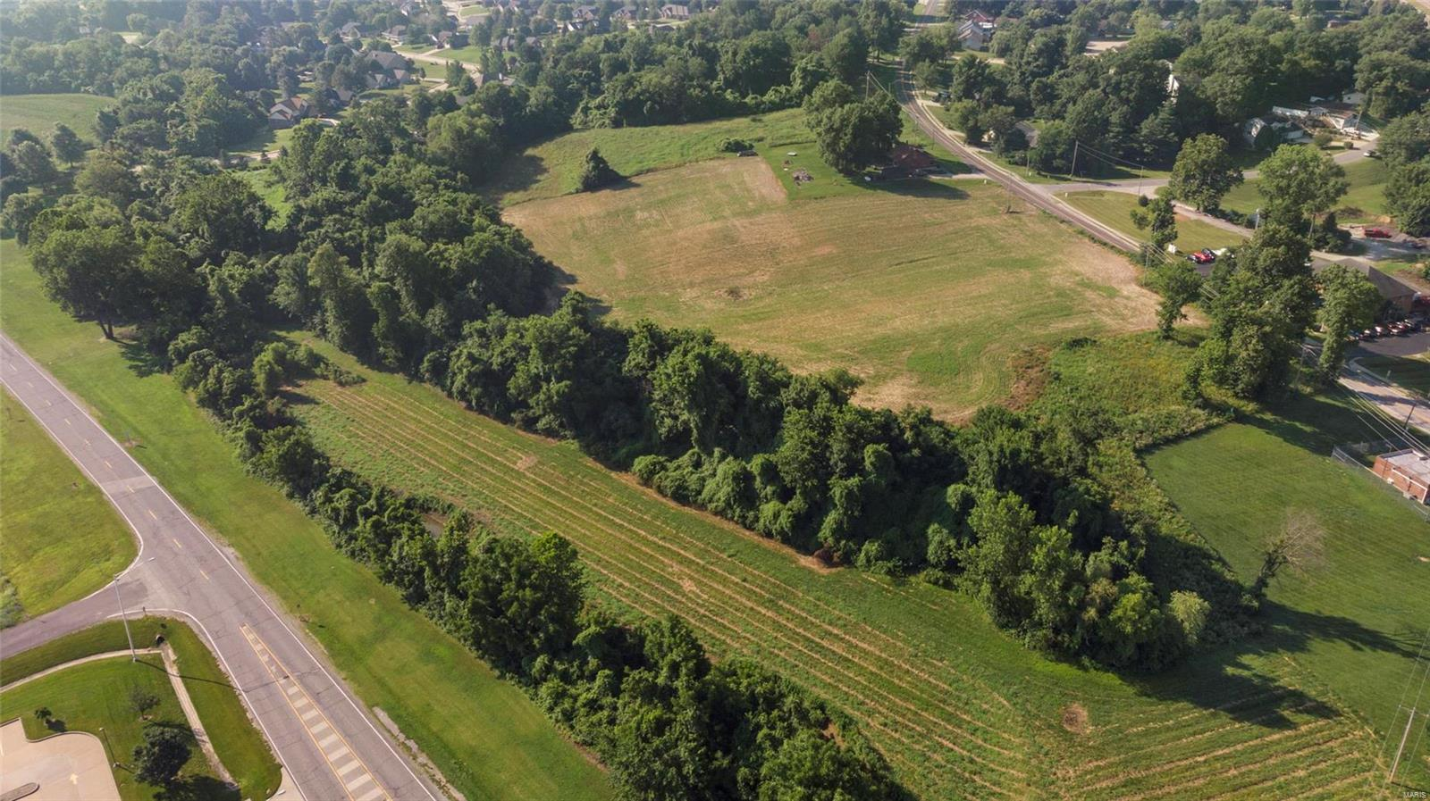 1712 Ghent Road Property Photo - Columbia, IL real estate listing