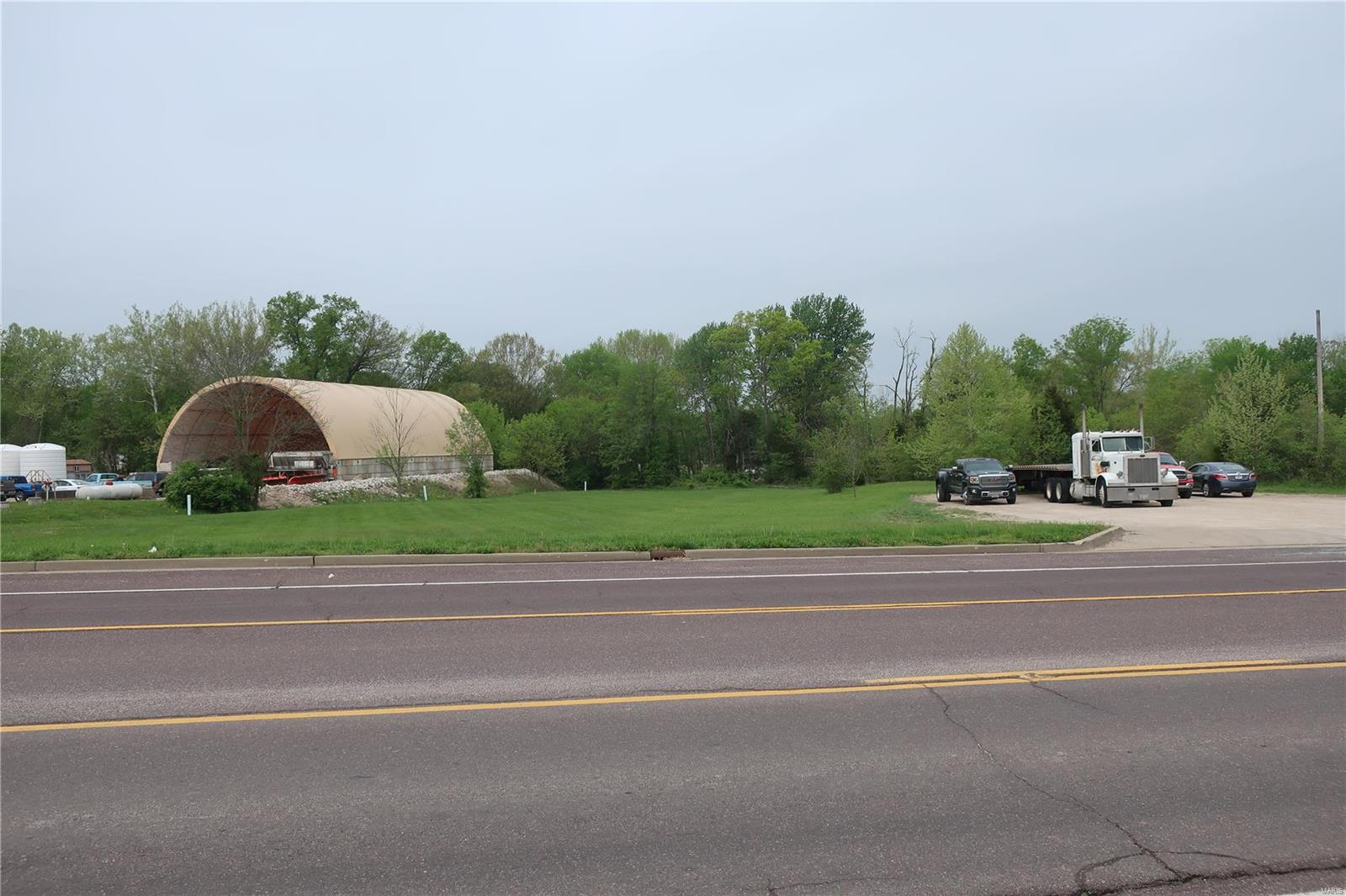 0 1.88 +/- Acres Local Hillsboro Road Property Photo - Cedar Hill, MO real estate listing