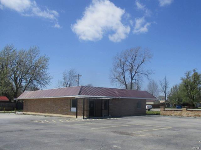 1707 N Douglas Street Property Photo - Malden, MO real estate listing
