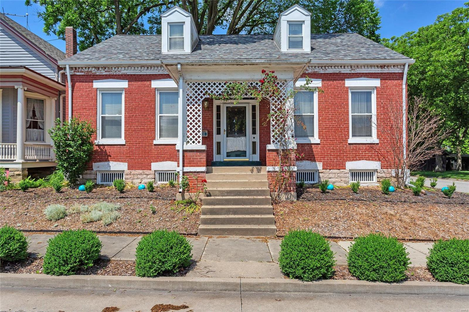 231 N Main Street Property Photo - Red Bud, IL real estate listing
