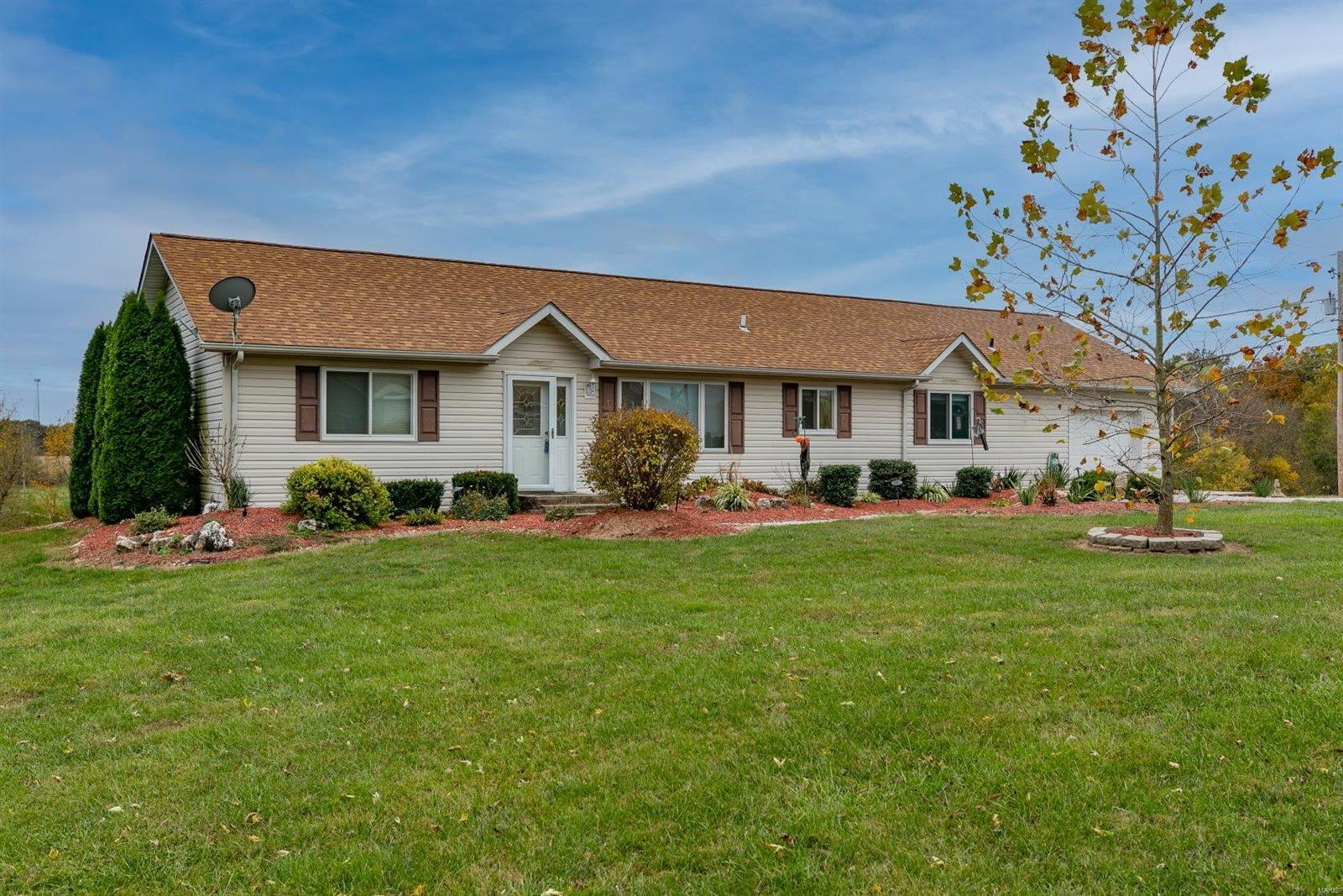 3960 Jancek Lane Property Photo - Highland, IL real estate listing