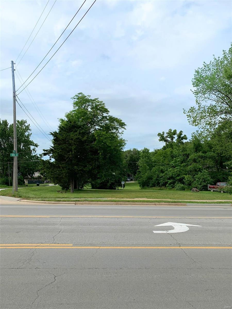 601 E 10th Street Property Photo