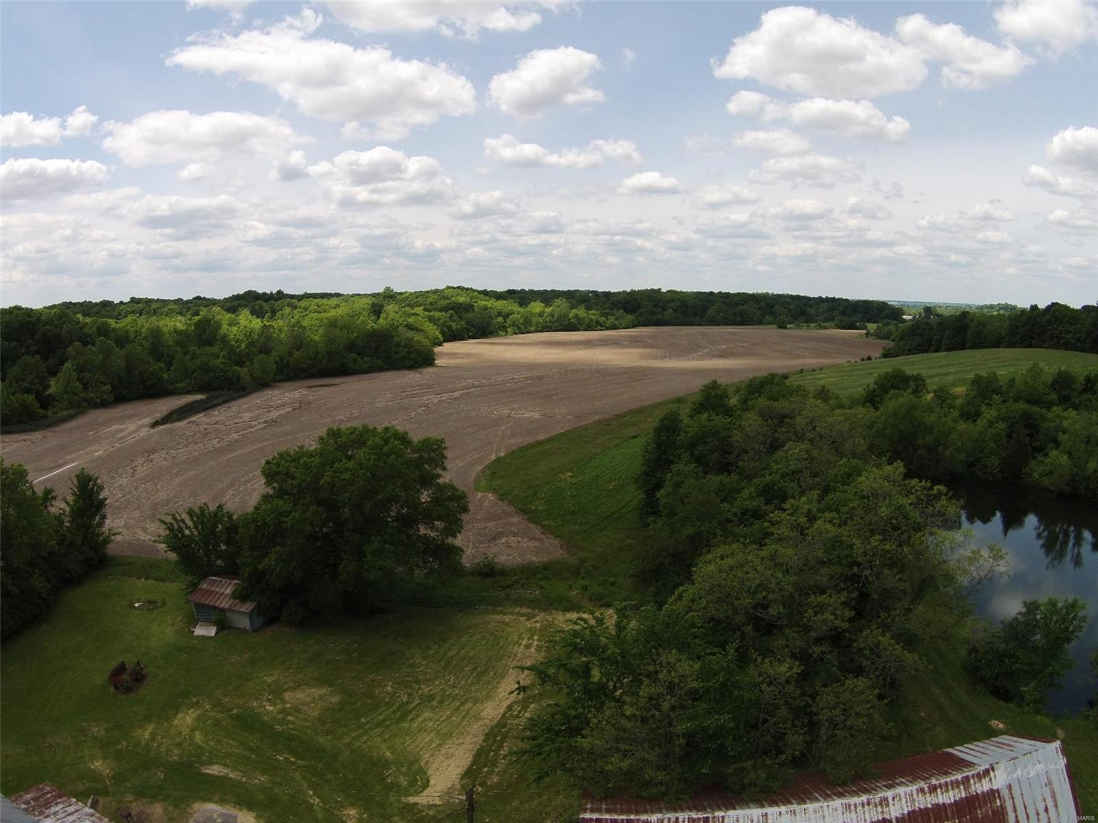 303 Gall Road Property Photo - Columbia, IL real estate listing
