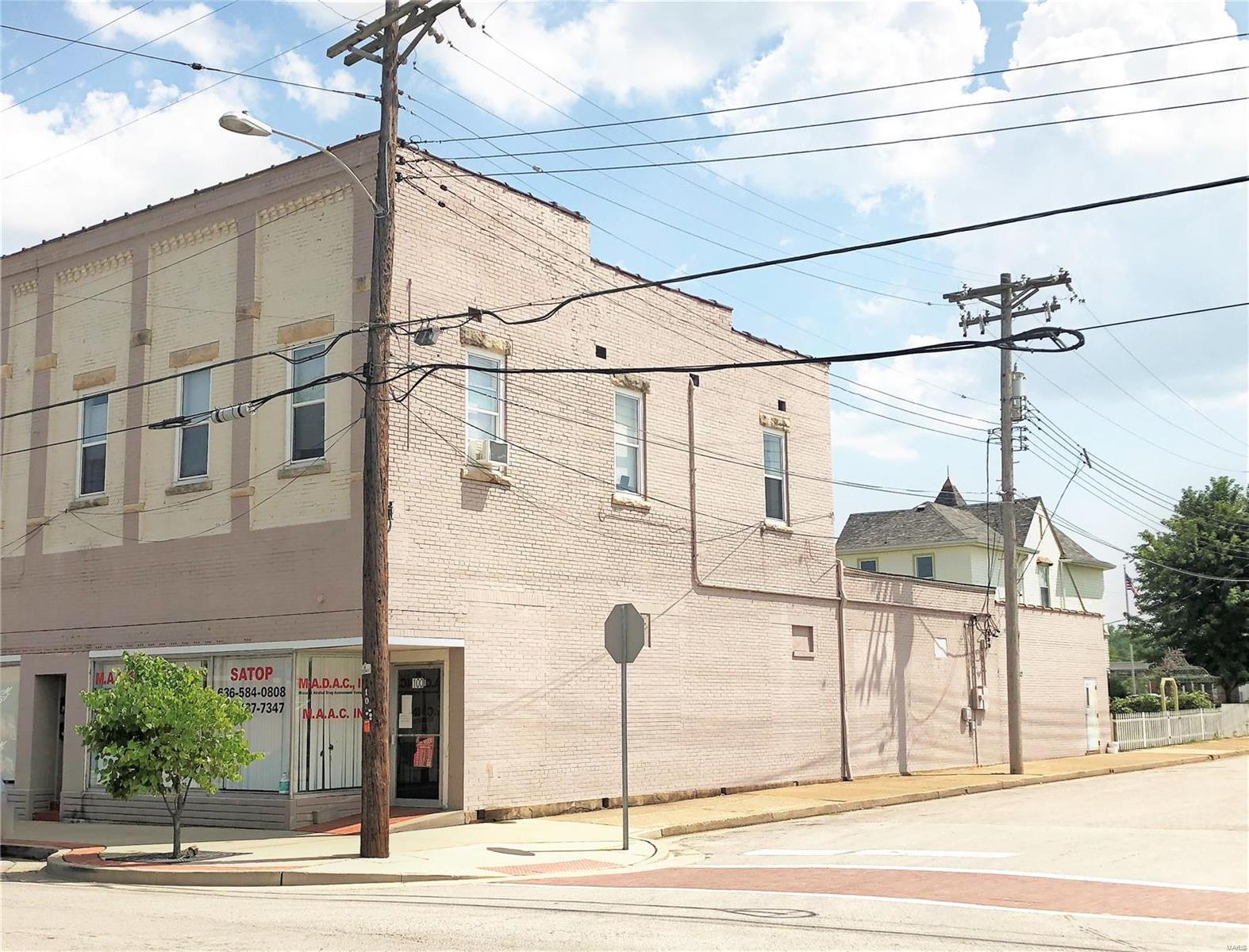 100 E Main Street Property Photo