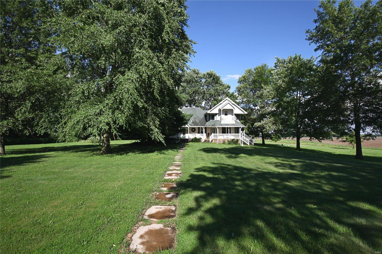 2074 North 425 Street Property Photo - Vandalia, IL real estate listing