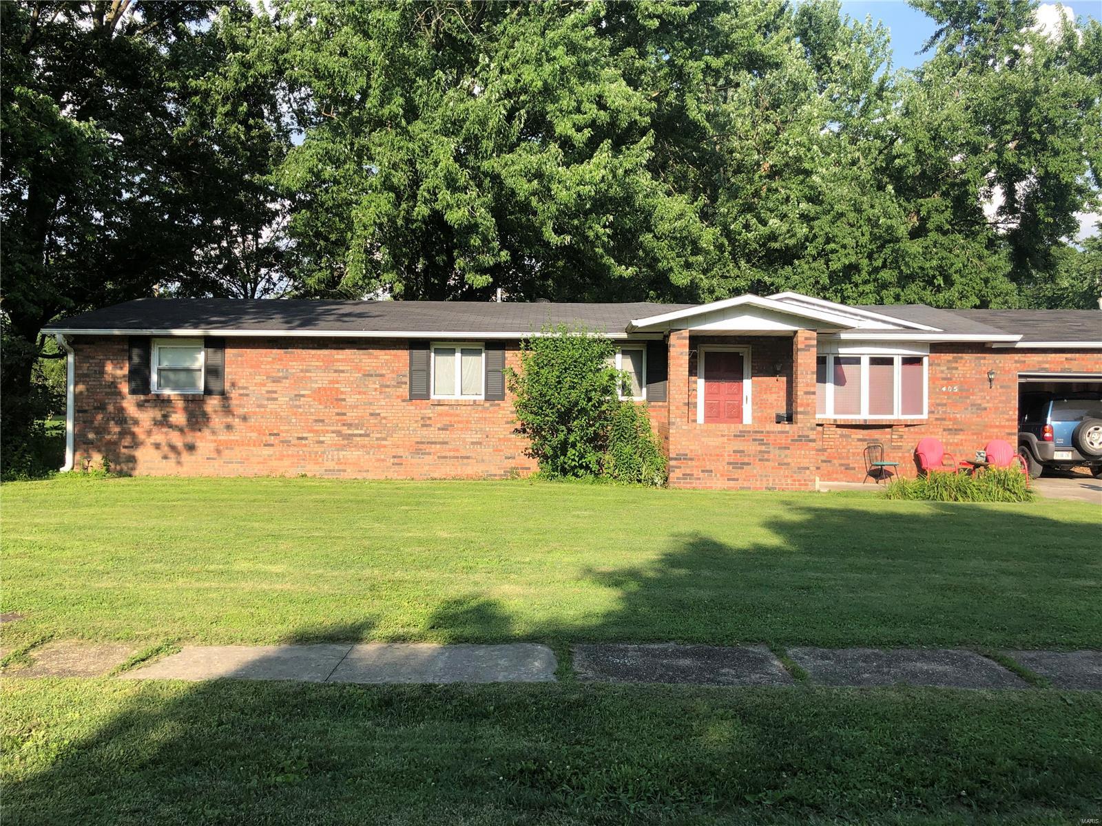 405 Harrington Property Photo - Carlinville, IL real estate listing