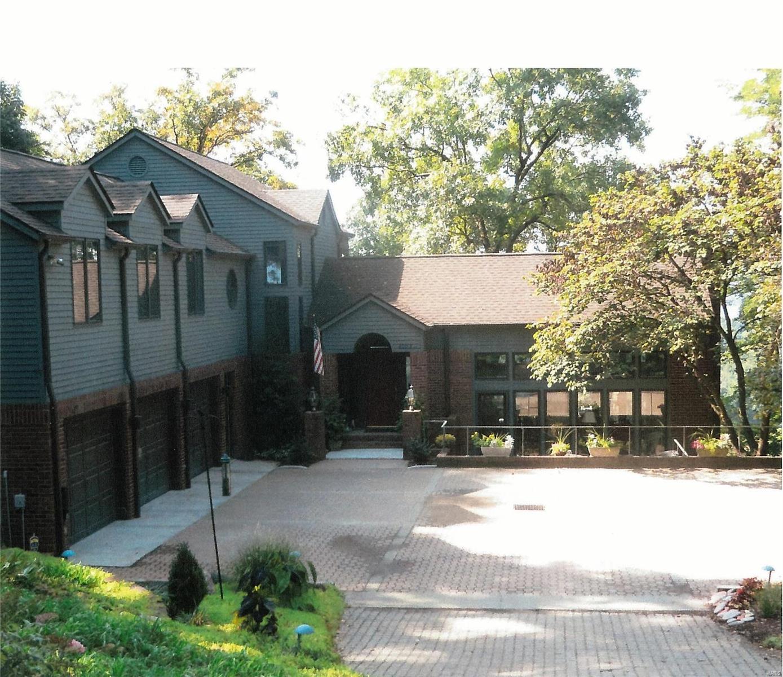 4003 Stoneledge Court Property Photo - Godfrey, IL real estate listing