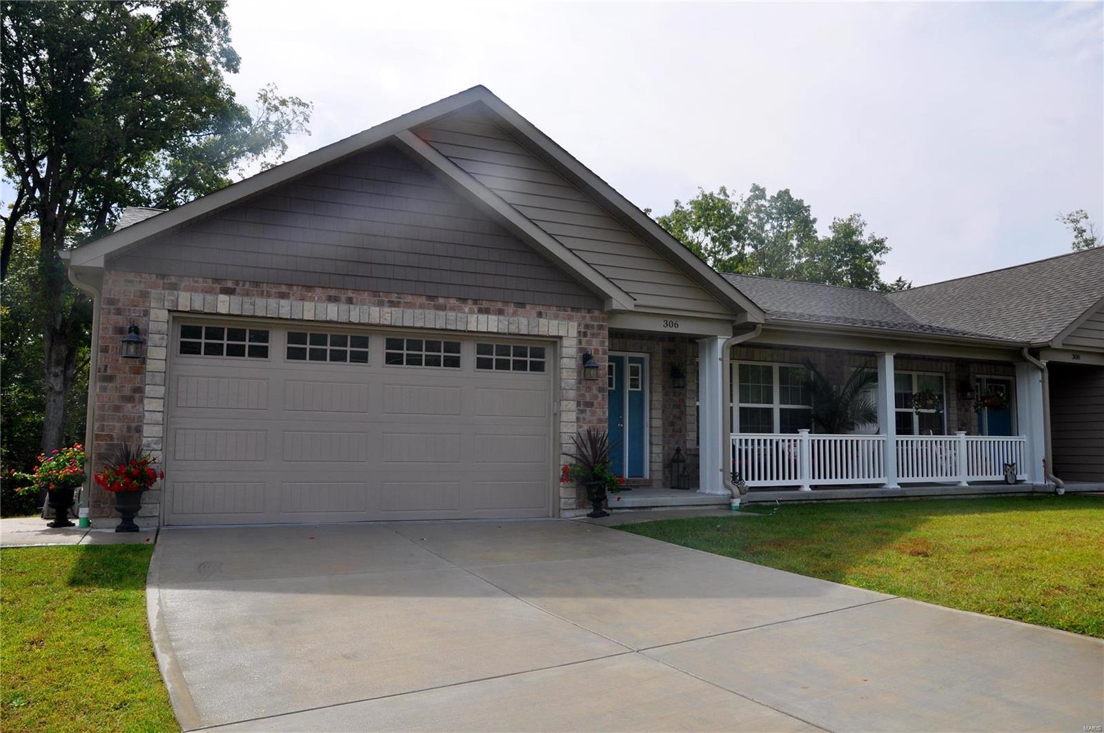 312 Anthony Circle Property Photo - Byrnes Mill, MO real estate listing