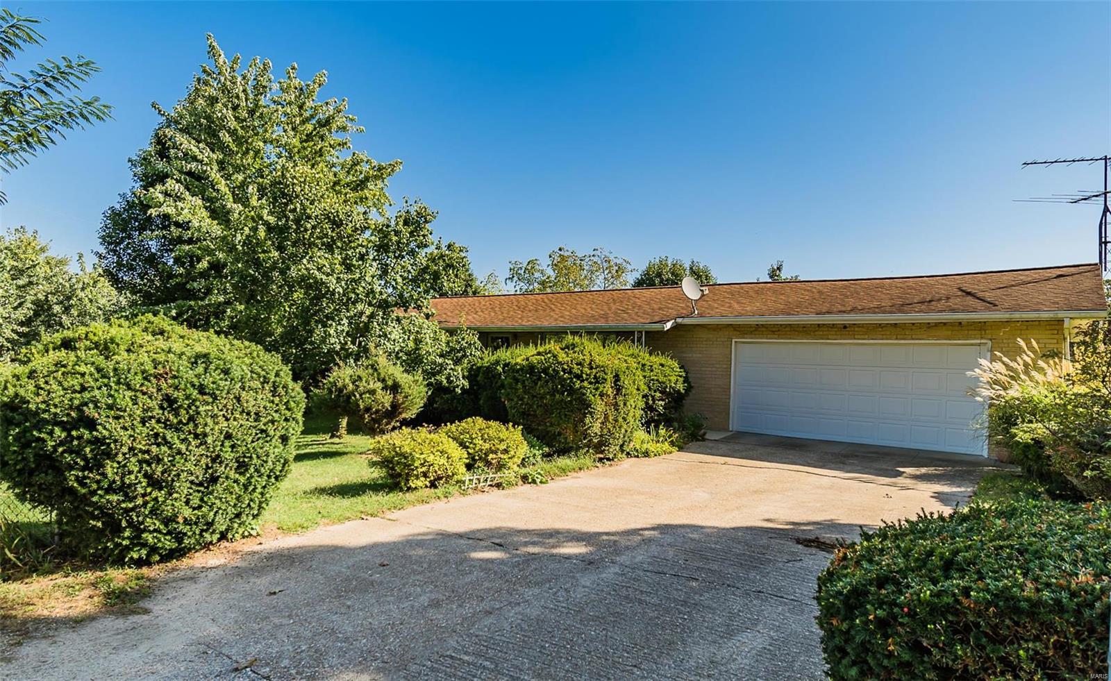 21510 Heath Drive Property Photo - Dixon, MO real estate listing