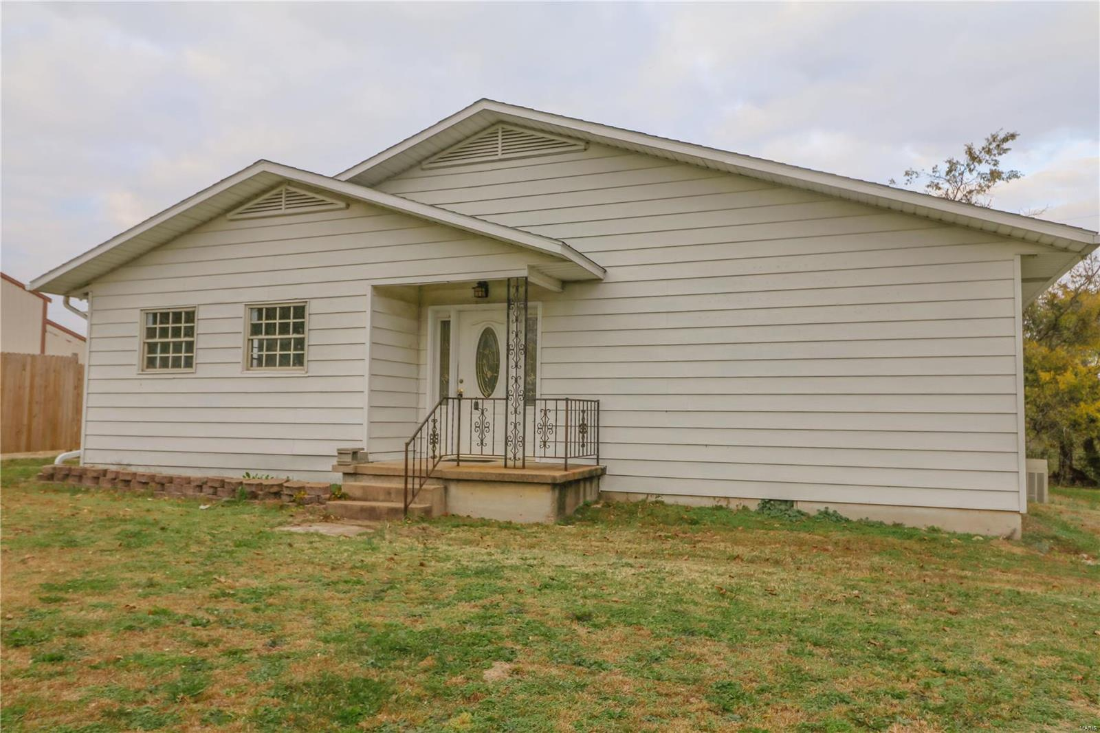 2252 Hwy 17 Property Photo - Iberia, MO real estate listing