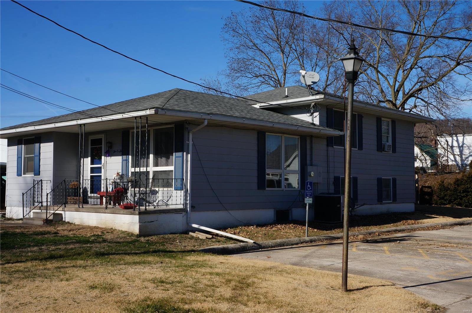 206 Franklin Street Property Photo - Hardin, IL real estate listing