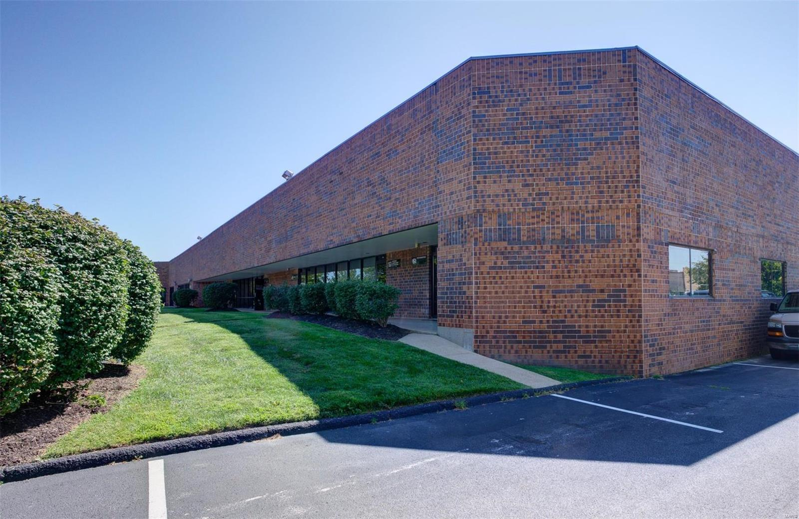 151 Chesterfield Industrial Boulevard Property Photo