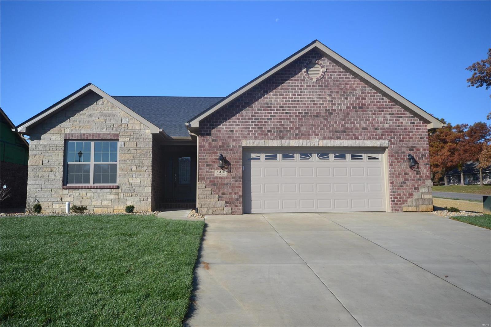 4401 Devin Drive Property Photo - Smithton, IL real estate listing