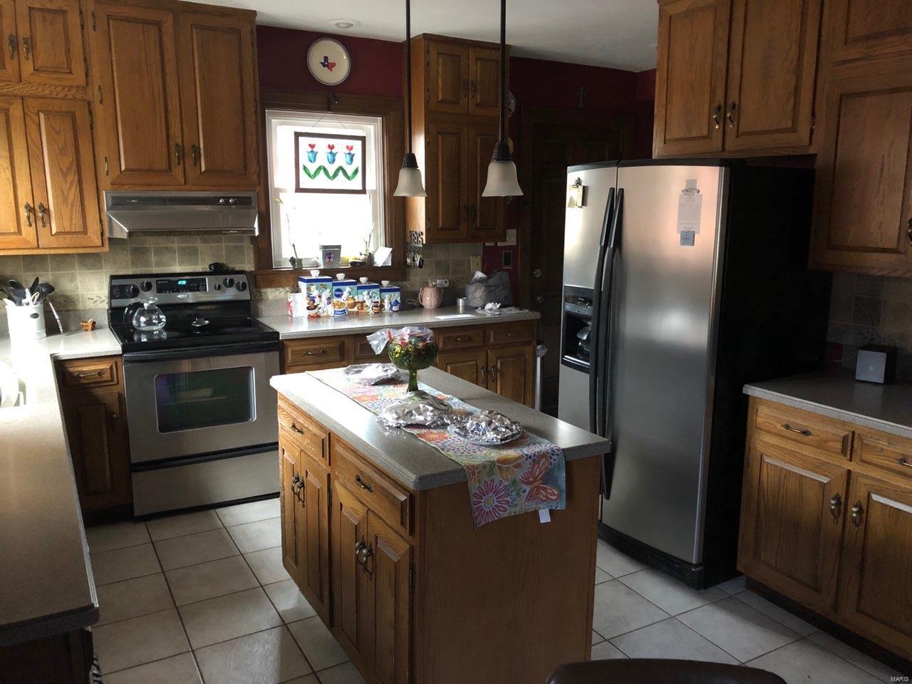 705 W GALLATIN Street Property Photo - Vandalia, IL real estate listing