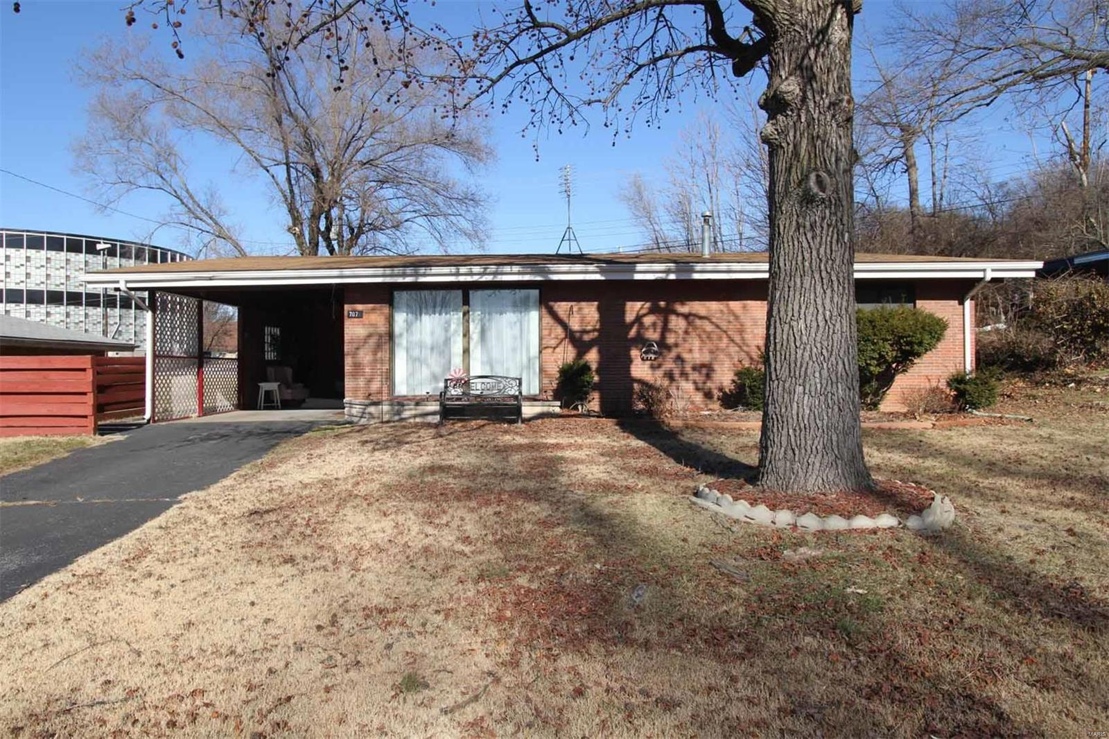 707 Ridgeway Property Photo - East Alton, IL real estate listing
