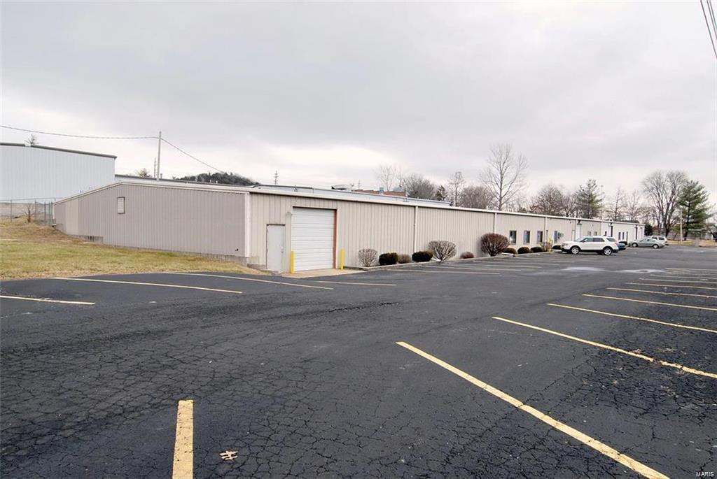 115 W Flier Drive Property Photo - Pacific, MO real estate listing
