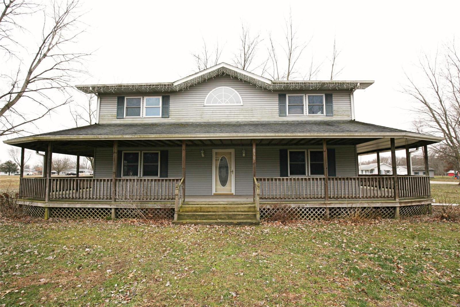 830 Hawthorne Street Property Photo - Ramsey, IL real estate listing