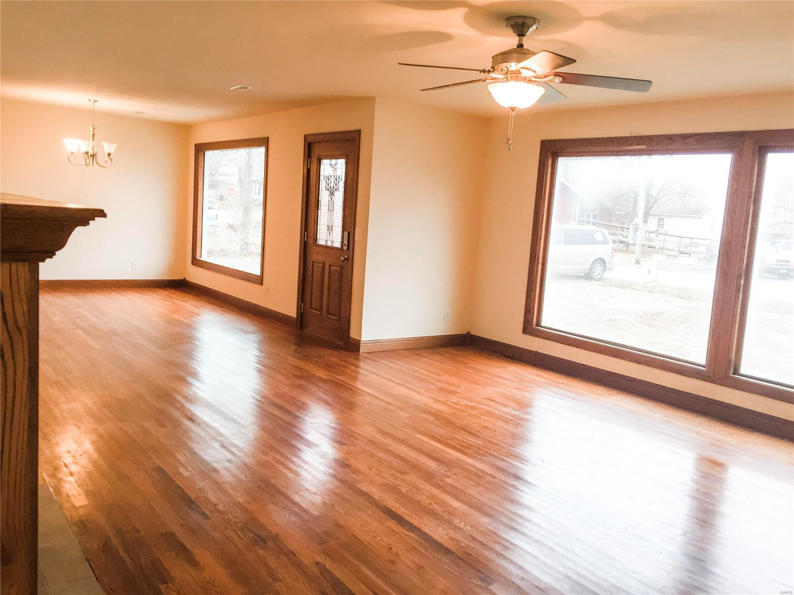108 W National Property Photo - Richland, MO real estate listing