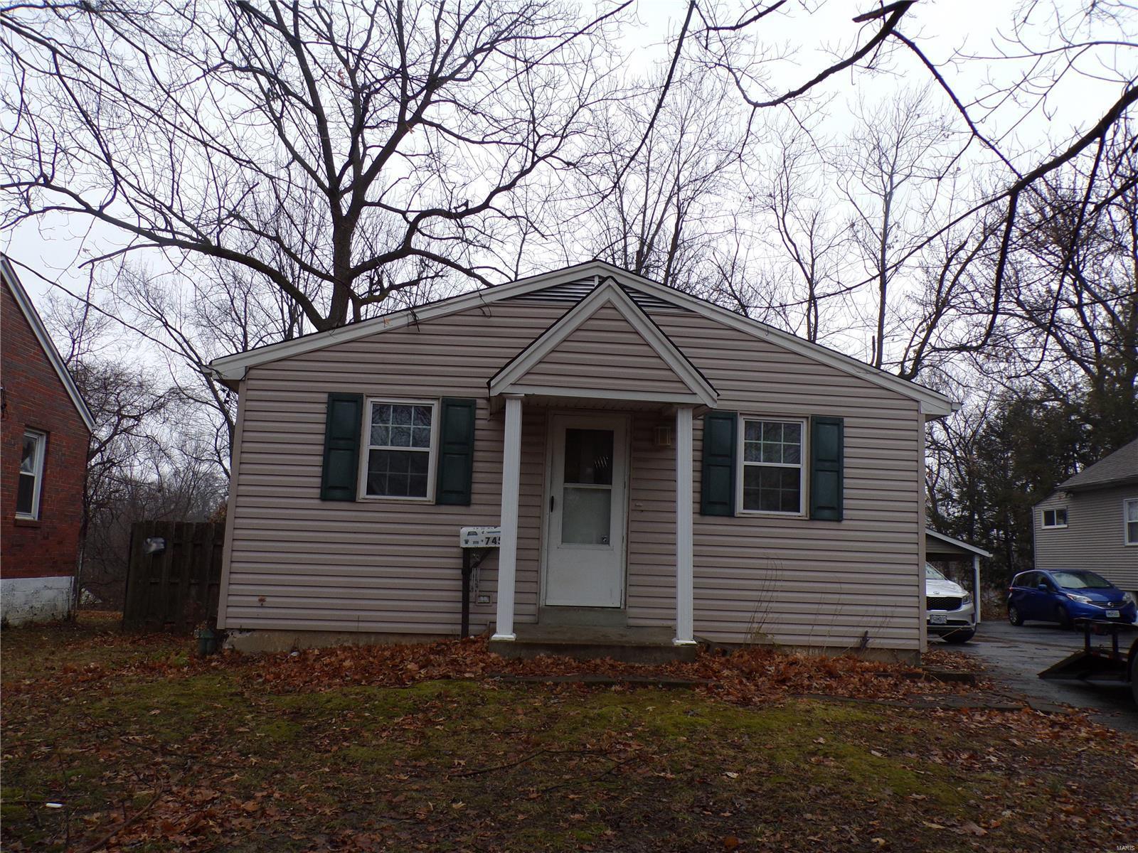 745 N Elizabeth Avenue Property Photo