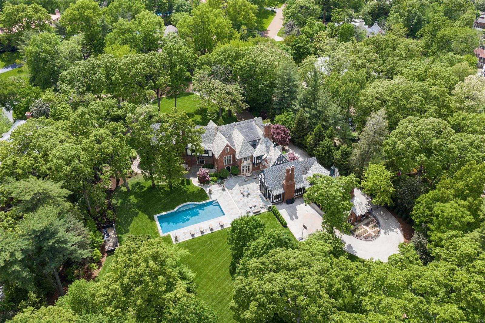 31 Brentmoor Park Property Photo